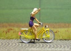 Fahrrad mit Blondine + LED-Beleuchtung  Licht vorne hinten