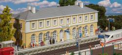 H0   Bahnhof Neukirchen 335x113x127mm NH2017 ##[UVP   77.99]
