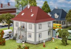 H0   Wohnhaus Bachstraße 5 ###  133x128x135mm [UVP   29.99]