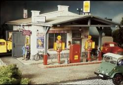 G    Tankstelle  385x590x280mm  ###     [UVP  159.99]