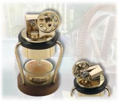D2 kleine Tischdampfmaschine mit Teelicht (lagert in Bayern)