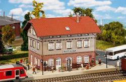 H0 Bahnhof Warthausen           295x157,5x163mm[UVP   69.99]