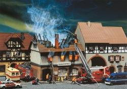 H0   Brandruine Gasthaus Zur Sonne136x119x119mm[UVP   43.99]