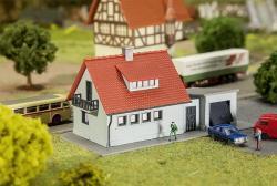 N    Siedlungshaus 110x57x53mm     NH2016      [UVP    8.99]