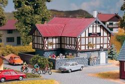 H0 Gasthaus Schwarzes Ross 160x156x104mm